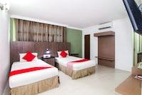 OYO 443 Crystal City Hotel