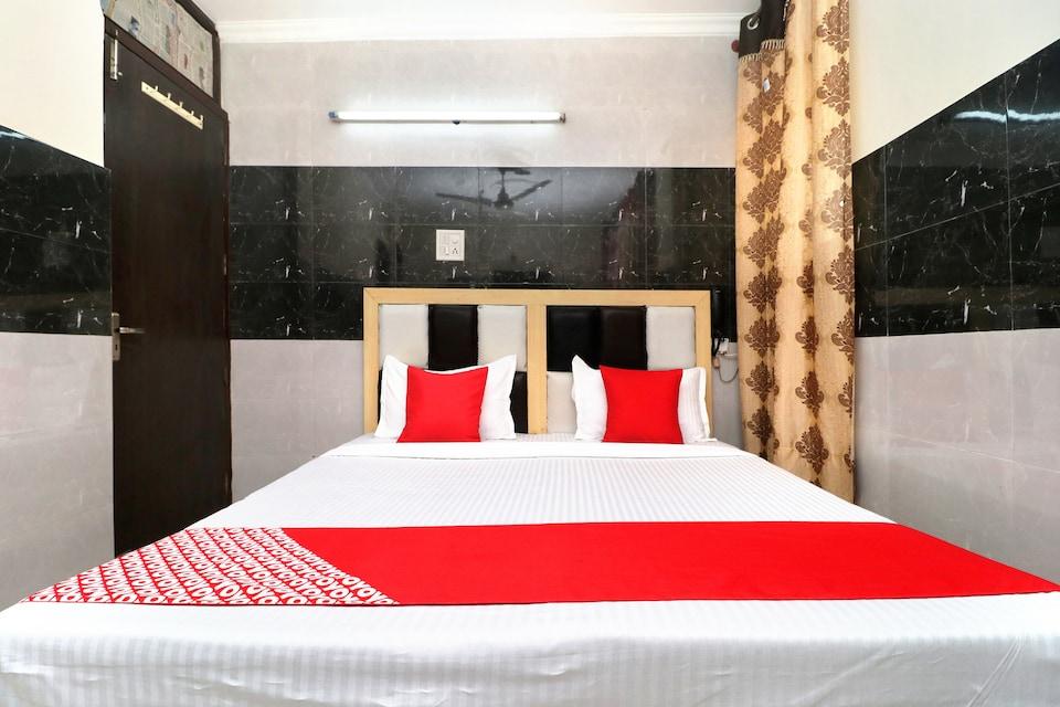 OYO 19961 Hotel New Diamond, South Chandigarh, Chandigarh