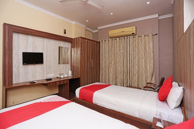 OYO 2997 Hotel Blue Moon