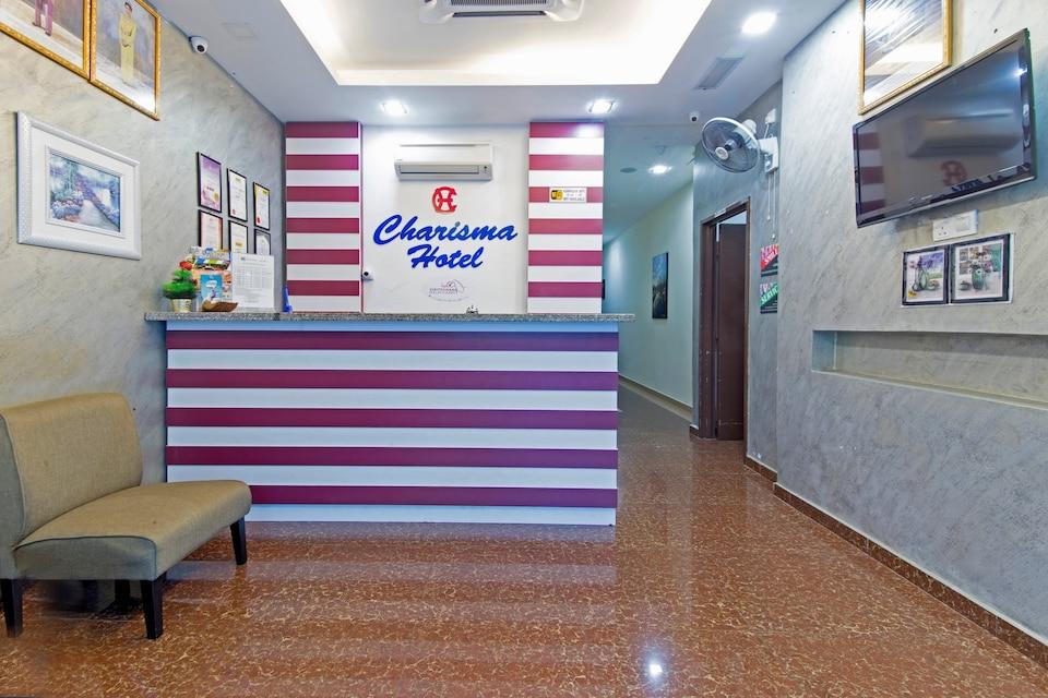 OYO 445 Charisma Hotel