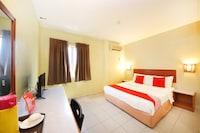 OYO 447 Comfort Hotel Meru