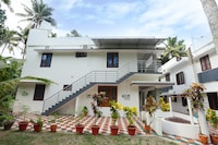 🏘️Charming 2BHK 👨👩👧👦 with Garden22035