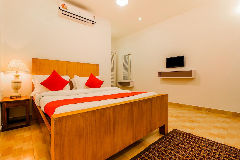 OYO 22056 Arambol Plaza Beach Resort -1