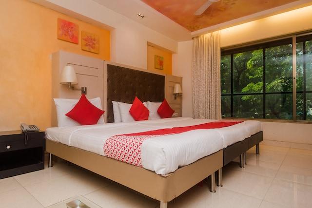 OYO 22061 Hotel Khwaishh Presidency Deluxe