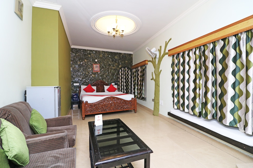 OYO 22064 Hotel Alka