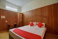 OYO 22077 Hotel Manasa