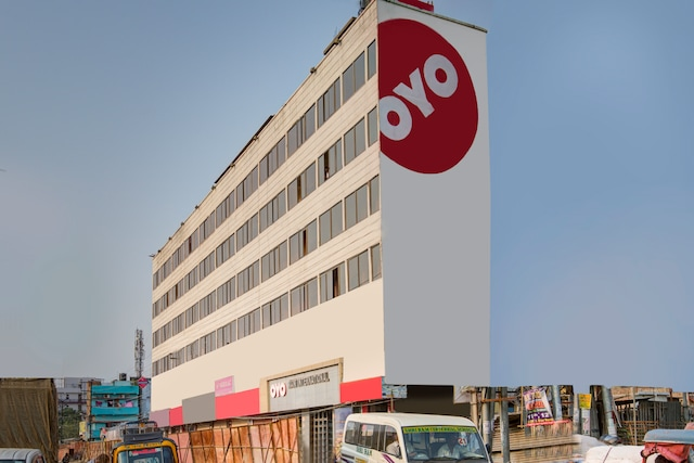 OYO 3007 Hotel Mani International