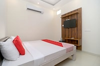 OYO 22097 Hotel Jd