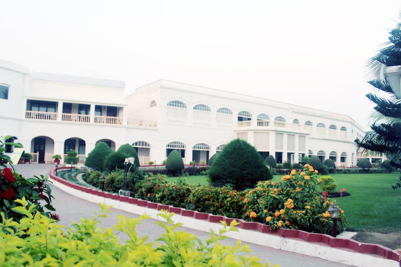 OYO 3010 Chanakya BNR Hotel Facade-1
