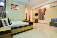 OYO 22110 Gem City Inn
