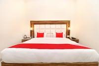 OYO 22115 Hotel D Plaza