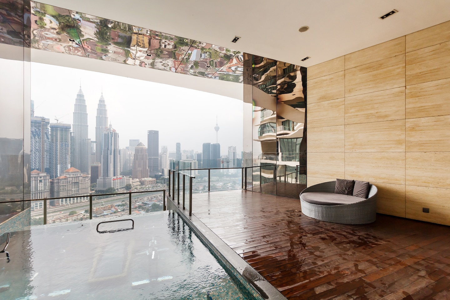 OYO 462 Home 1BR Setia Sky With Rooftop Infinity Pool -1