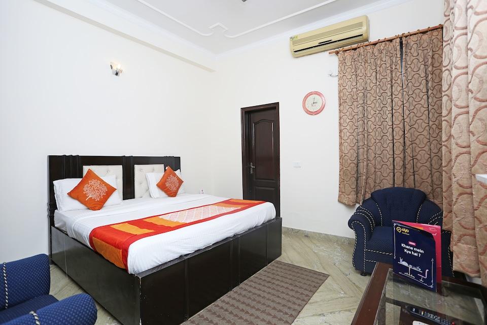 OYO 556 Hotel AVP Guest House