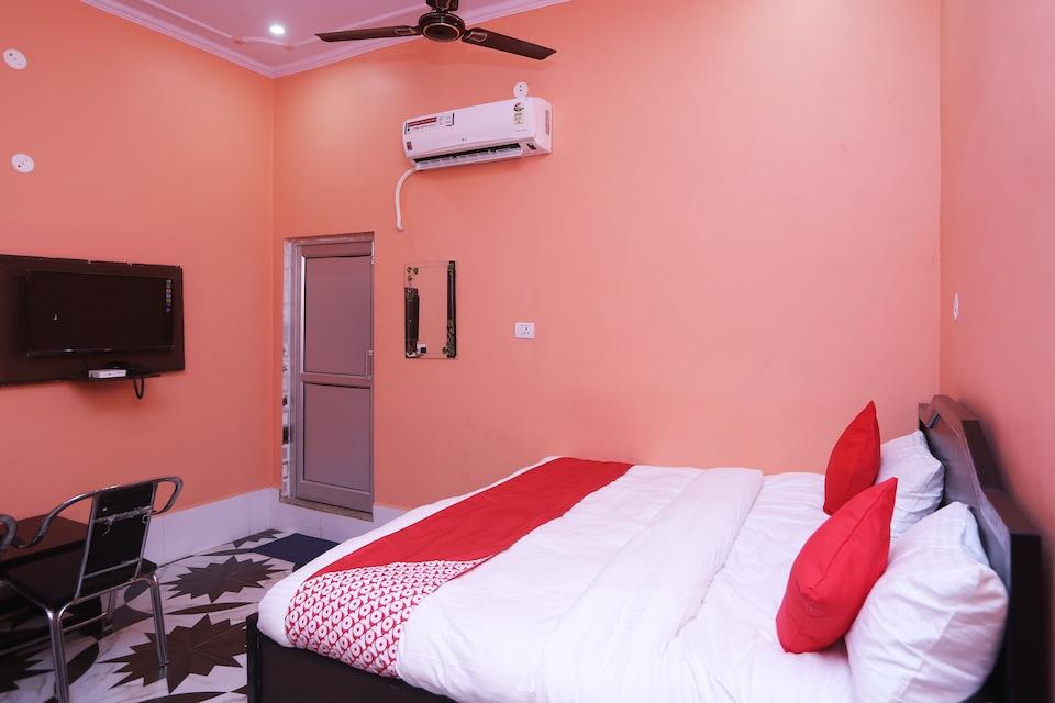 OYO 22221 Yadav Hotel