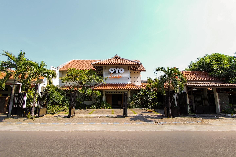 OYO 159 Santo Guest House -1