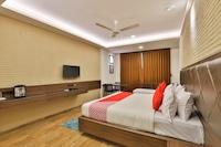 OYO 22254 Hotel Royal Square