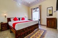 OYO 22287 Hotel Dev Palace