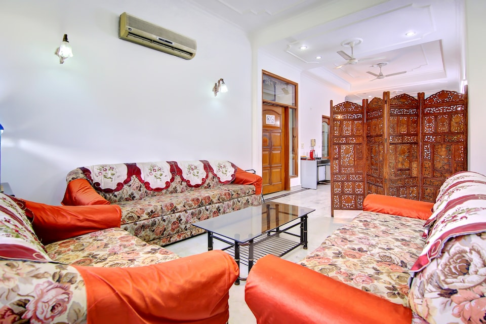 OYO 22291 Cozy Stay Greater Kailash