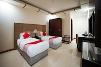 OYO 130 Night Inn Hotel