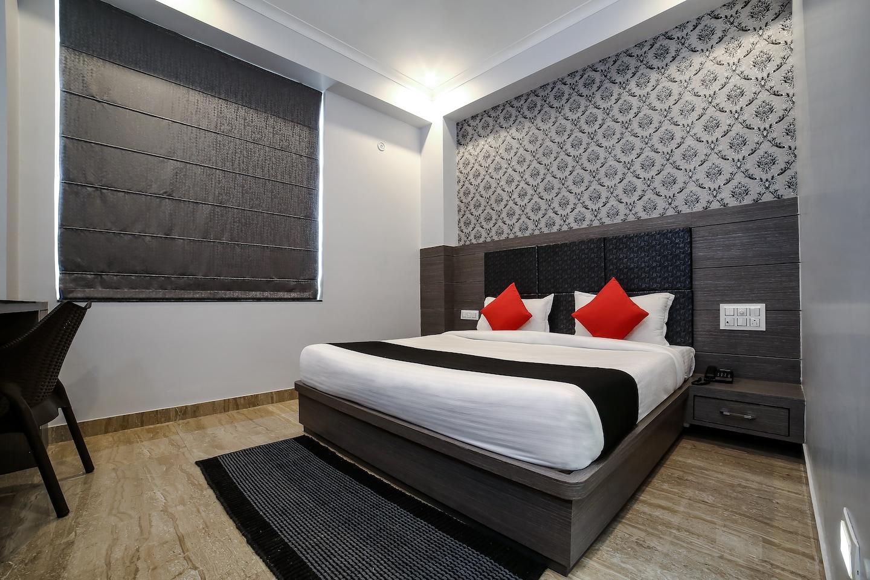 Capital O 22318 Hotel Grand Anshul -1