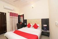 OYO 22359 Hotel Raj Palace