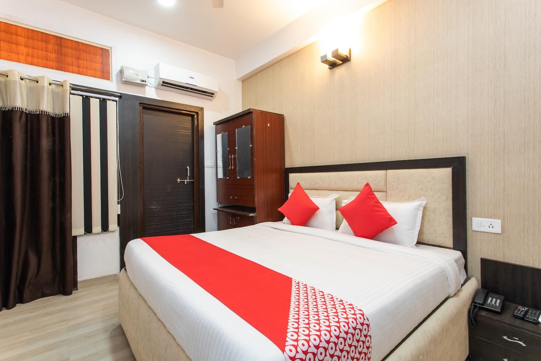 OYO 22361 Hotel Samar Regency -1