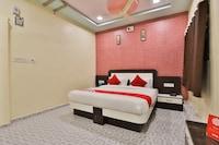 OYO 22403 Hotel Rolex