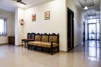 OYO 22405 Hotel Suraj Palace