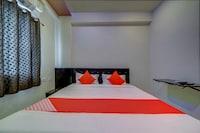 OYO 22425 Hotel Honey Cruise