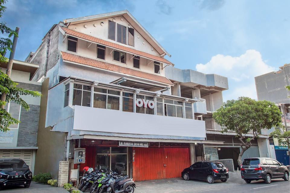 OYO 164 Ang's Residence