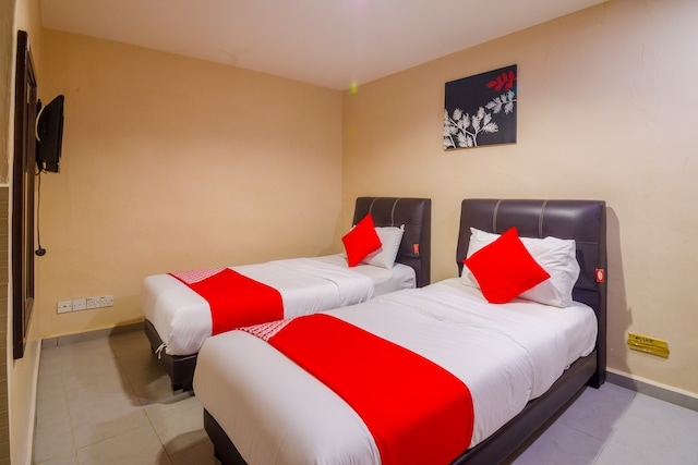 OYO 475 Hotel Seri Pauh