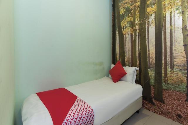 OYO 476 Rain Forest Hotel