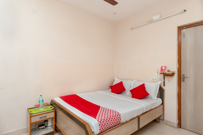 OYO 22518 Jjs Guest House -1