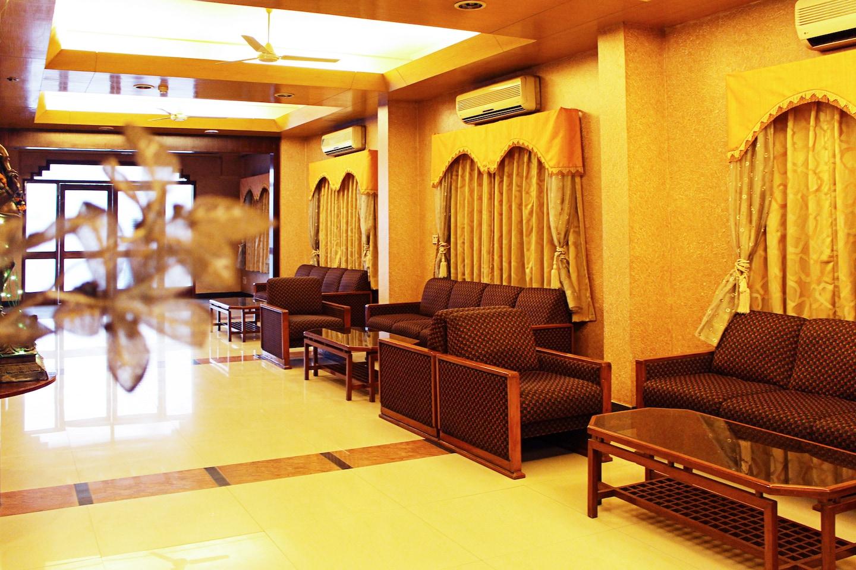 OYO 3042 Hotel Kant -1