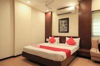 OYO 3047 Loharkar's Hotel Deluxe