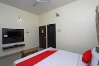 OYO 22625 Hotel Kuber Deluxe