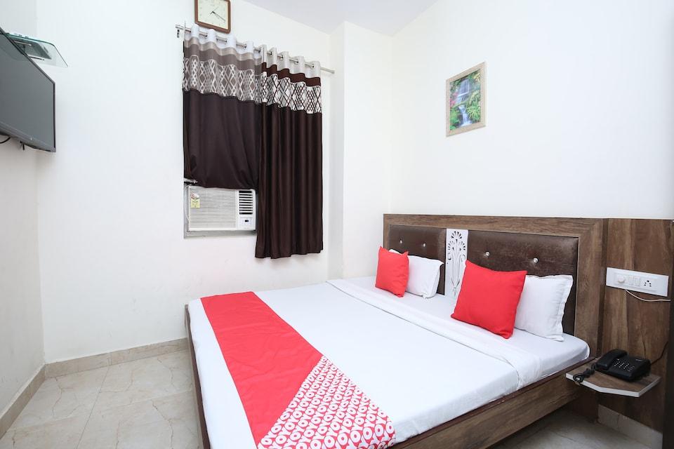 OYO 22652 Sehmi's Best Rest Inn