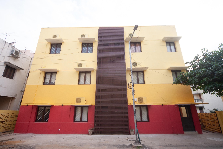 OYO 22669 Srushti Guest House