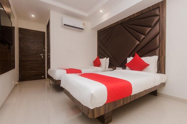 OYO 22683 Hotel Park Palace