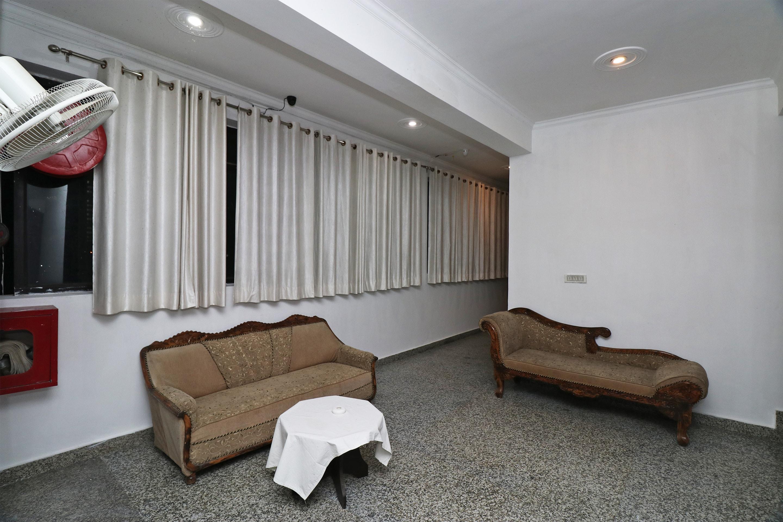 OYO 22711 Rajni Guest House