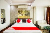 OYO 22756 Diksha Hotel