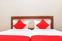 OYO 22792 Hotel Jayratna