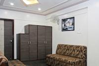 Capital O 22792 Hotel Jayratna Deluxe