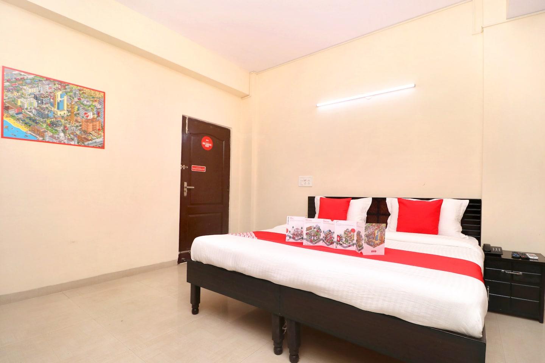 OYO 22821 Hotel Sunroof -1