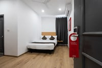 OYO Townhouse 229 Hotel Mannat International