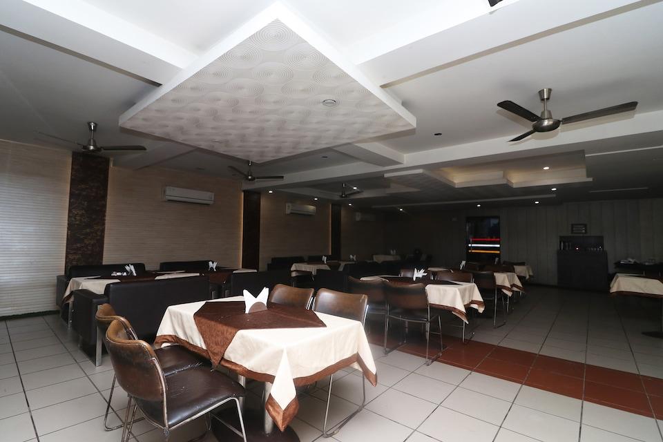 OYO 22826 Hotel Sheltear & Resturant