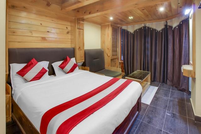 OYO 22830 Shiva Shanthi Inn