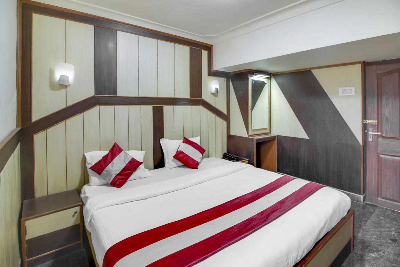 OYO 22830 Shiva Shanthi Inn -1
