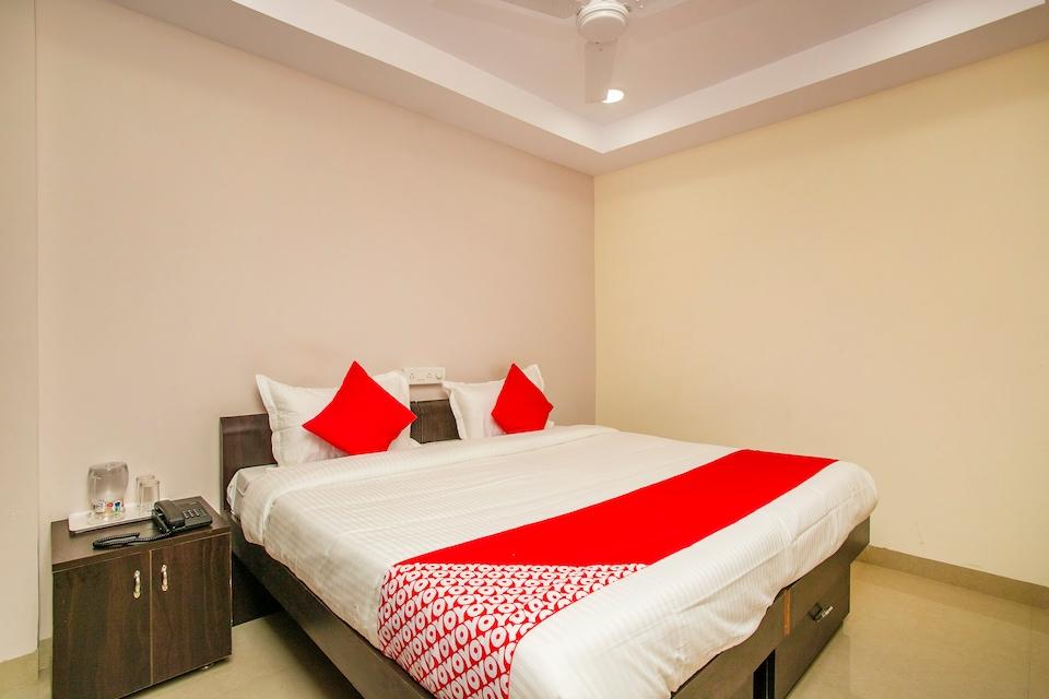 OYO 22836 Hotel Amster Inn
