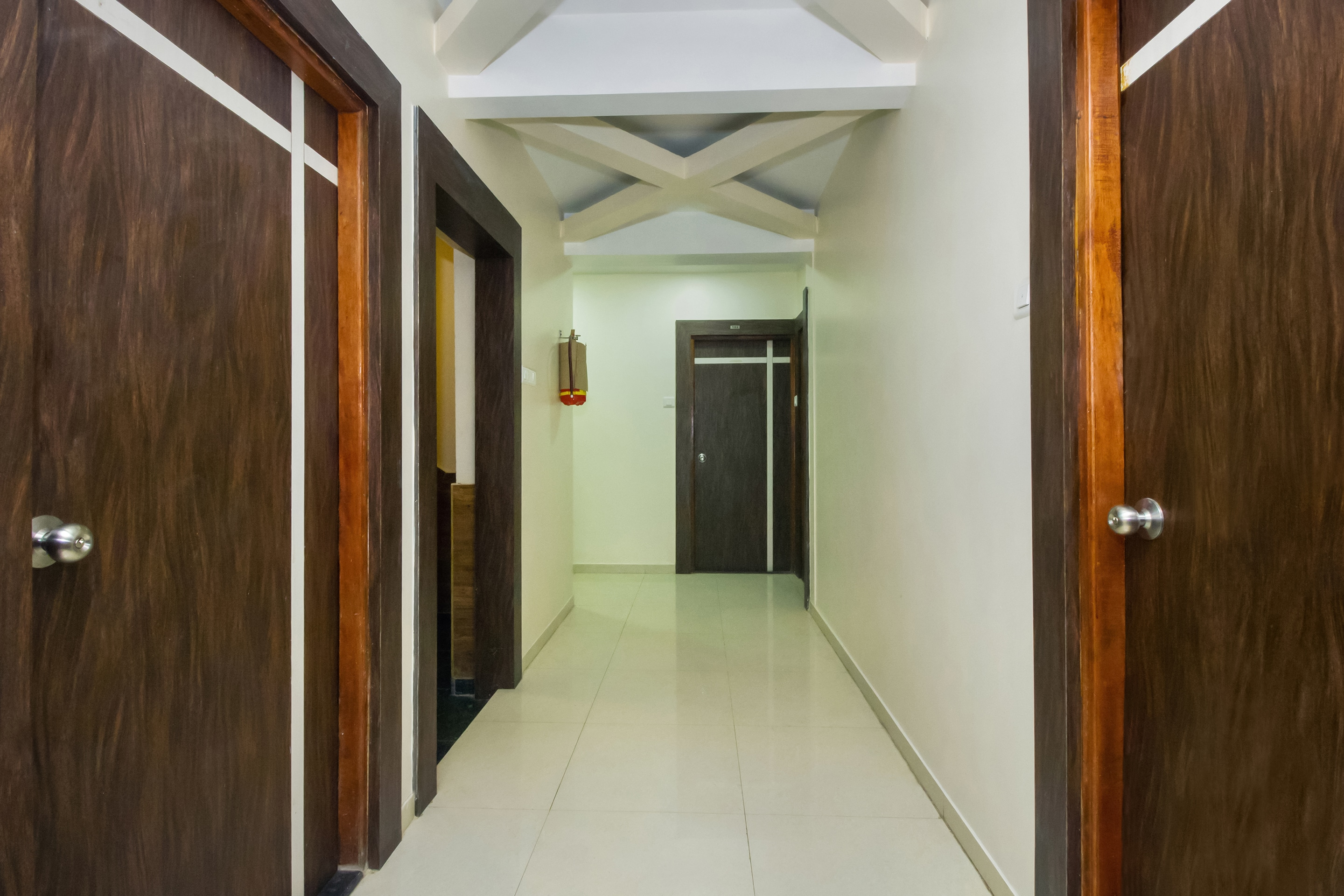 Hotel Gallarey OYO 22918 Hotel Sadanand Mourya Lodging And Boarding